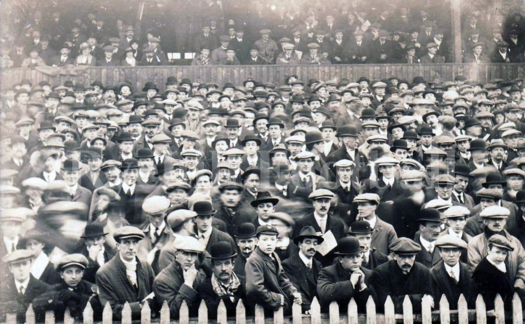 w-safc-fans-at-roker-park-circa-1928