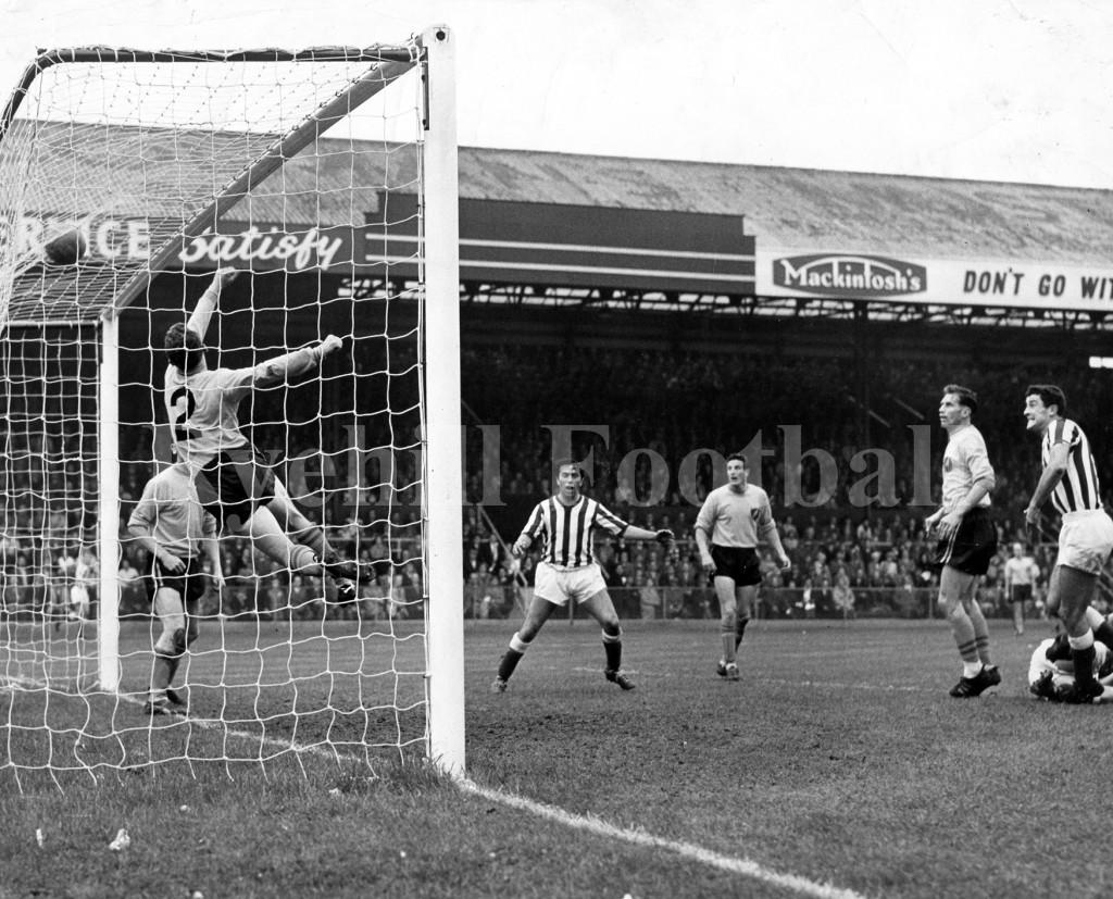 W - Hurley v Norwich 1961