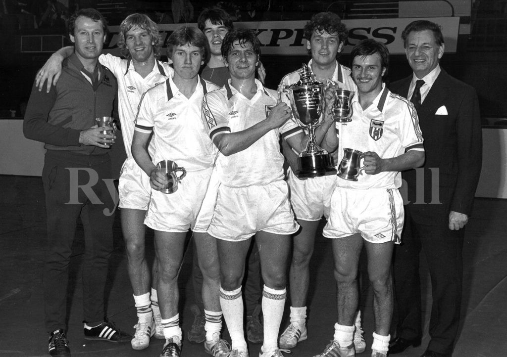 Peter Eustace, Shaun Elliott, Chris Turner John Cooke, Mick Buckley, Kevin Arnott,, Stan Cummins, Unknown