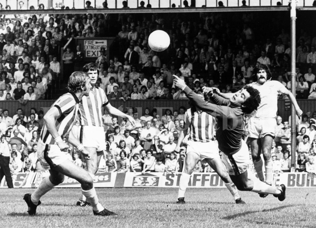 Stoke City 0 v 0 SAFC - Shilton saves as Billy Hughes looks on; opening day of the 76/77 season